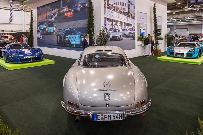 Mercedes-Benz 300 SL, mit 6-Zylinder-Motor, erstmals mit Direkteinspritzung, 215 PS