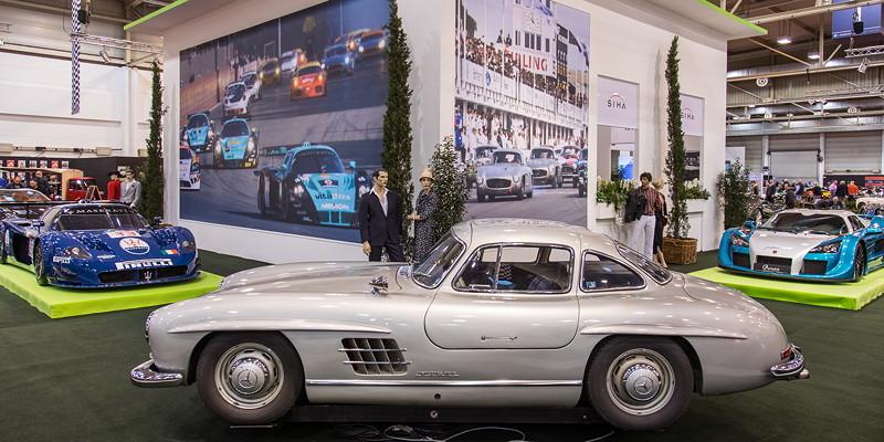 Mercedes-Benz 300 SL auf der Essen Motor Show, S.I.H.A. Sonderausstellung 'Supersportwagen' in Halle 1