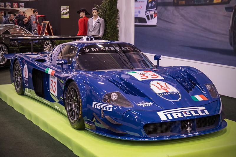 Maserati MC12 GT1, mit 6-Liter-V12-Motor mit bis zu 700 PS