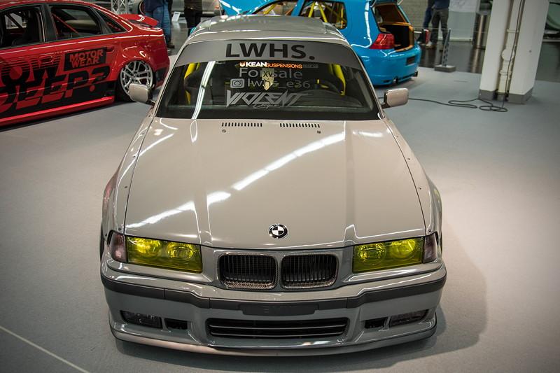 BMW 320i (Modell E36), mit 'KW' V1 Gewindefahrwerk mit 'ultralow springs' von 'Kean Suspensions'