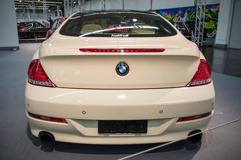 BMW 635d (Modell E63), Endrohre in 'schwarz-matt' pulverbeschichtet