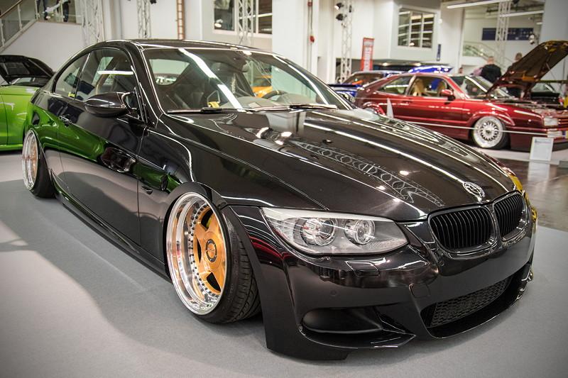 BMW 335i Cabrio (Modell E92), Fahrwerk: Accuair elevel + ilevel