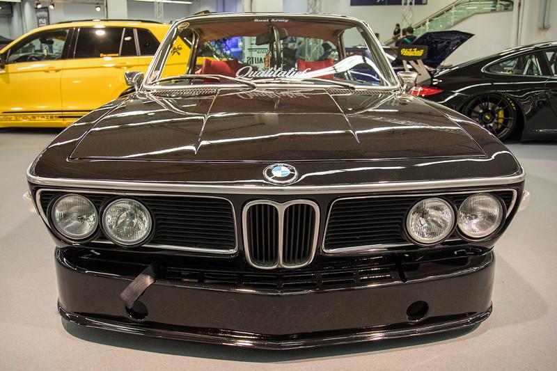 BMW 3.0 CS (Modell E9), mit CSL Frontspoiler, weisse Blinkleuchten vorne