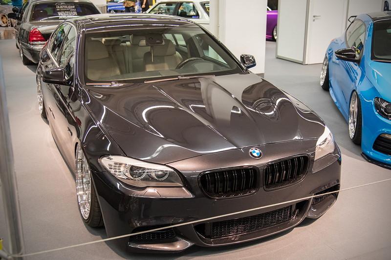 BMW 530d (Modell F10), mit 'Airrex' Luftfahrwerk und 'Air-Lift Performance' 3P Steuerung