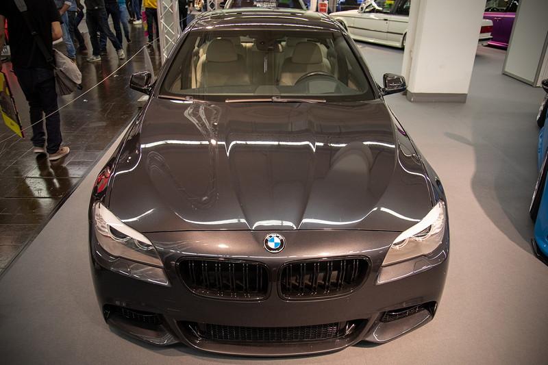 BMW 530d (Modell F10) in BMW Individual Lackierung 'Sophistograu Brillanteffekt II'