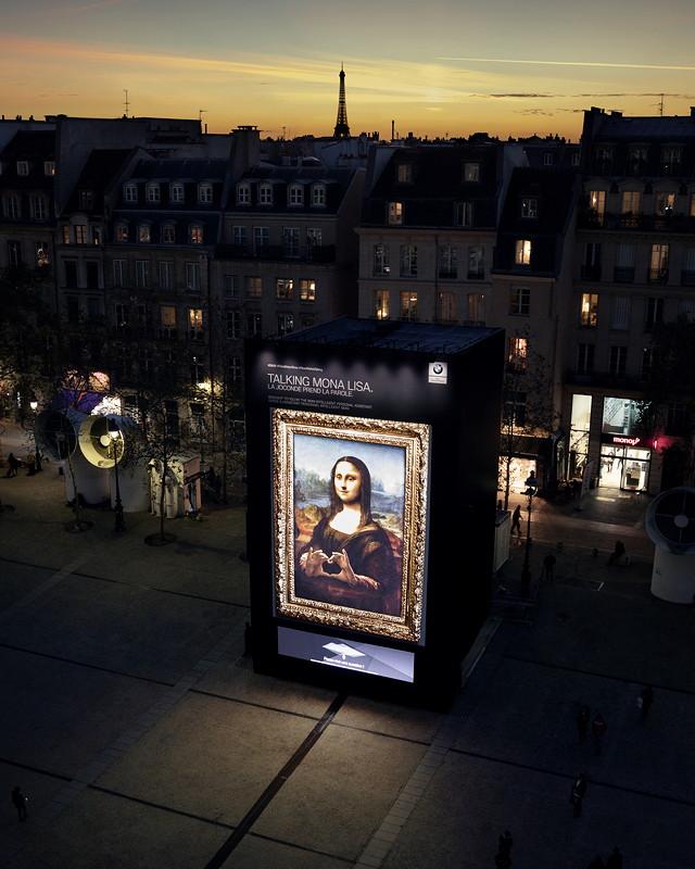 'Hey Mona Lisa…' auf dem Vorplatz des Centre Georges-Pompidou in Paris.