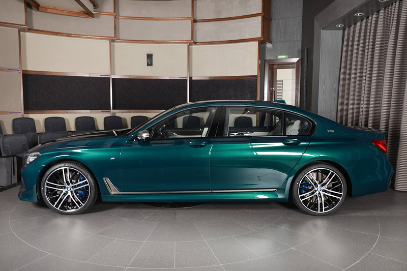 BMW M760Li xDrive M Performance, standardmäßig in Langversion ausgeliefert.