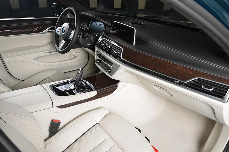 BMW M760Li xDrive M Performance, Innenraum vorne