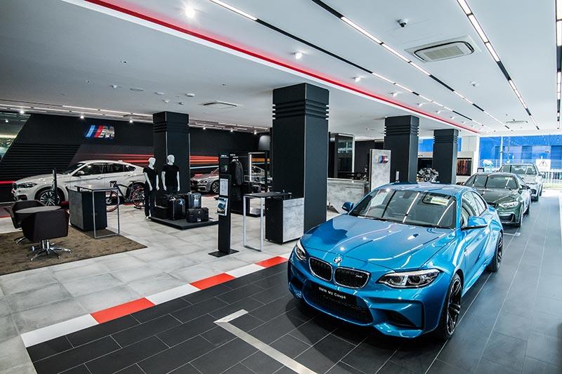 BMW M baut Angebot exklusiver Showrooms weltweit aus.