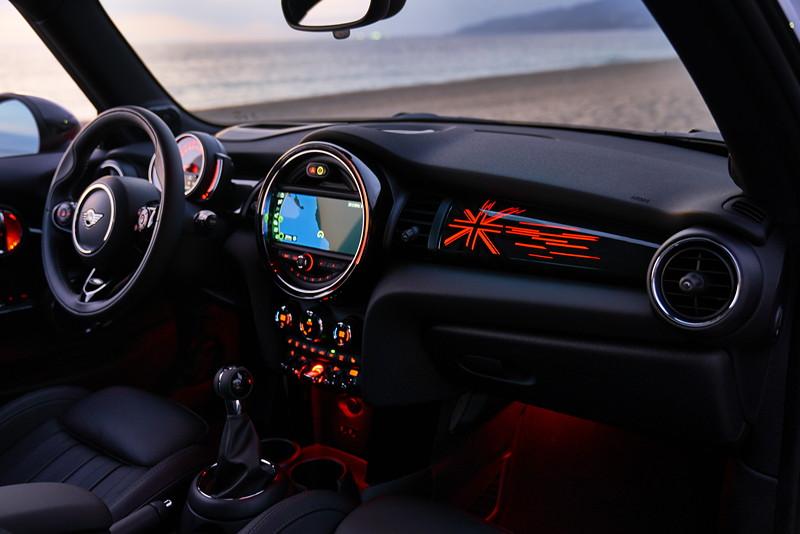 MINI Cooper S Hatch (Facelift 2018), Innenraum vorne.