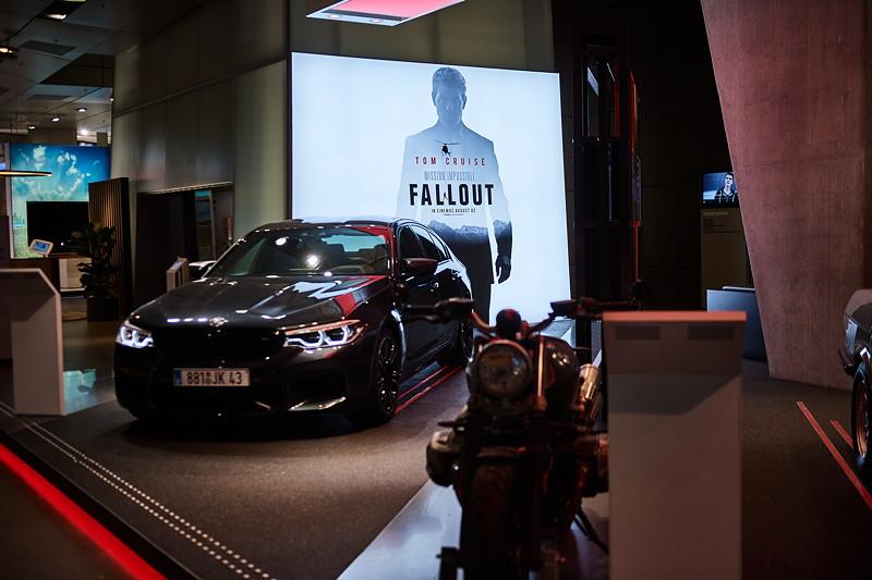 Noch bis Ende September in der BMW Welt zu sehen: Die Modelle aus dem aktuellen 'Mission: Impossible - Fallout' und der BMW M5 E28.