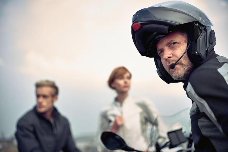BMW Motorrad präsentiert digitales Zubehör. Neues Kommunikationssystem für BMW Motorrad Helm System 7 Carbon.