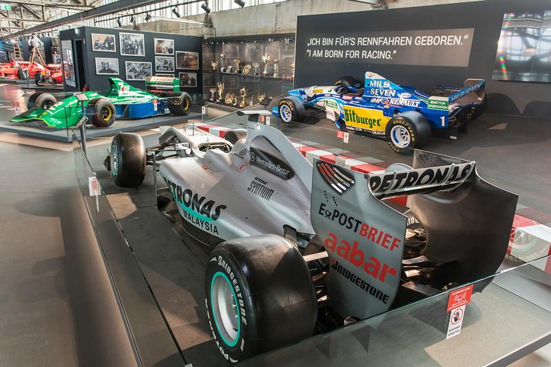 MotorWorld Köln-Rheinland, Michael Schumacher Private Collection: Mercedes MGP W01. Im Jahr 2009 kommt Schumacher am Saisonende auf Rang 9 der WM-Wertung.
