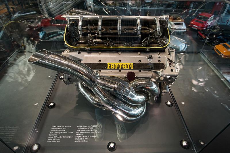 MotorWorld Köln-Rheinland, Michael Schumacher Private Collection: Ferrari Motor 049, F1-Saison 2000, V10-Motor mit über 770 PS.