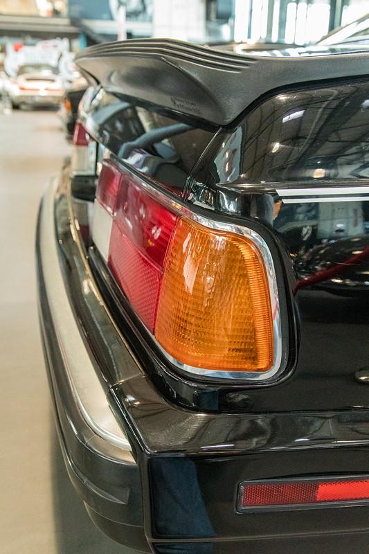 MotorWorld Köln-Rheinland: BMW M 635 CSi (E24), mit Heckspoilerlippe