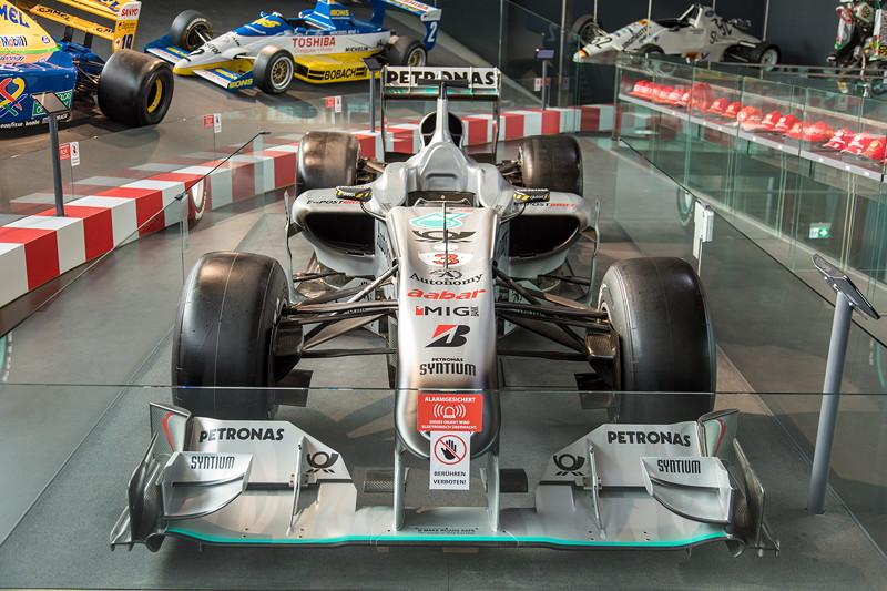 MotorWorld Köln-Rheinland, Michael Schumacher Private Collection: Mercedes MGP W01. Innerhalb von drei Jahren wollte man damals um den Titel mitfahren können.