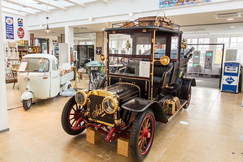 MotorWorld Köln-Rheinland: Adler 30-40 PS Laundalet, Baujahr 1907