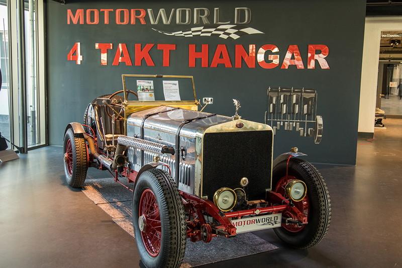 MotorWorld Köln-Rheinland, 'Vier-Takt-Hanger'