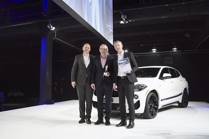 BMW: Autohaus Kimbeck GmbH, Eggenfelden, gemeinsam mit Erich Ebner von Eschenbach und Christian Scheppach.