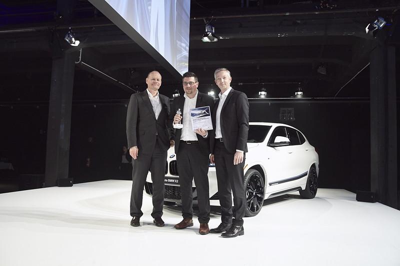 BMW: Autohaus Hoyer GmbH, Nienburg, gemeinsam mit Erich Ebner von Eschenbach und Christian Scheppach.