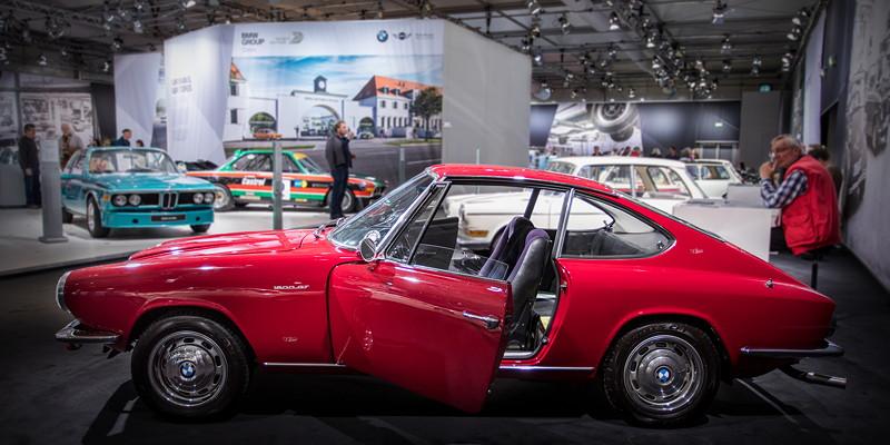 BMW 1600 GT von Bernhard Kurzaj, ausgestellt vom Glasclub Internatinal auf der Techno Classica 2018