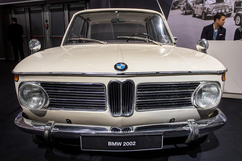 BMW 2002, Leergewicht: 1.340 kg