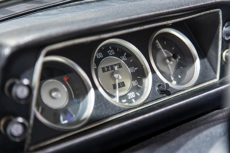 BMW 2002, Tacho-Instrumente