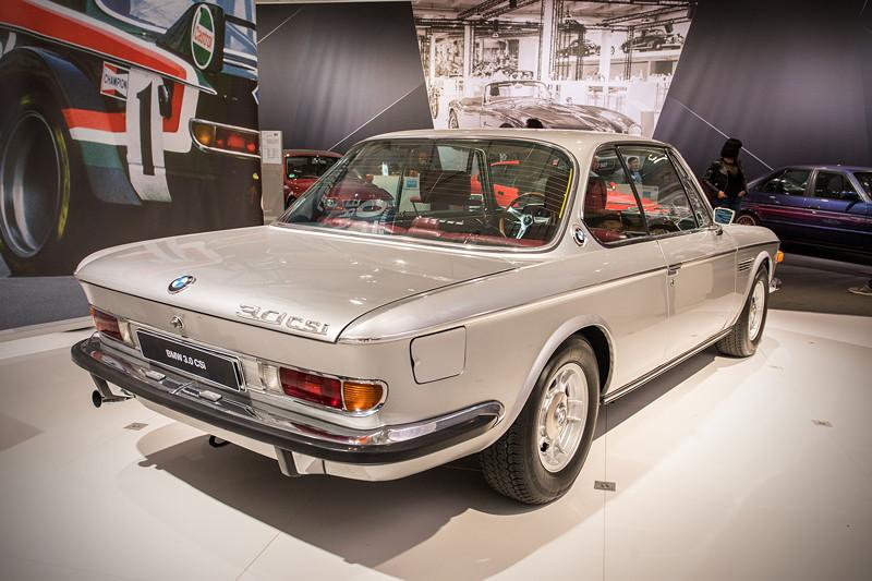 BMW 3.0 CSi (E9), mit 4-Gang-Schaltgetriebe, Leergewicht: 1.380 kg