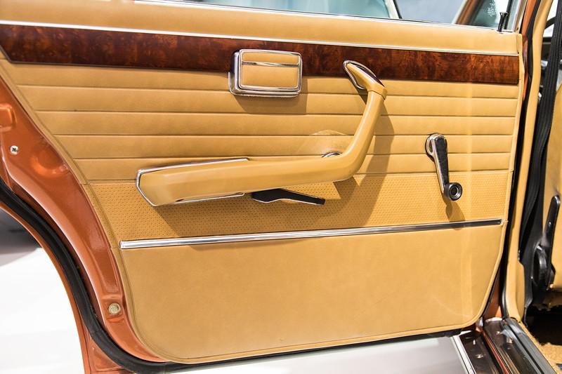 BMW 3.0 L (E3), verlängerte Tür im Fond