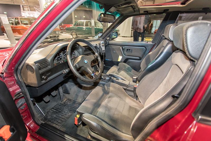 BMW 325e (E36), Innenraum