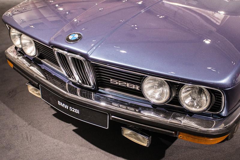 BMW 528i (E12), Front