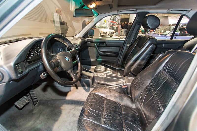 BMW 535i (E34), Interieur vorne
