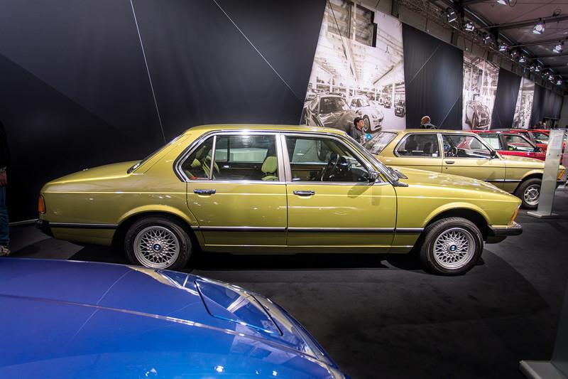 BMW 730 (E23), mit 6-Zylinder-Reihenmotor, 184 PS