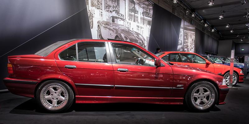 BMW 320i Baur Topcabriolet TC4 (E36) von Reiner Ahrend, ausgestellt vom BMW Baur TC Club auf der Techno Classica 2018.