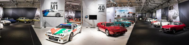 BMW Group Classic Messestand auf der Techno Classica 2018. Panoramafoto.