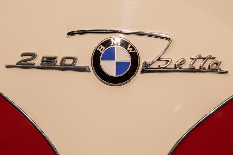 BMW Isetta 250 Export, Typ-Bezeichnung auf der Heckklappe