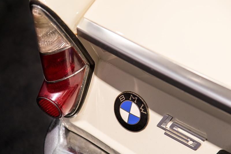BMW LS Luxus, Typ-Bezeichnung am Heck