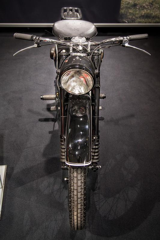 BMW R 24, Baujahr: 1949, 12.020 produzierte Einheiten