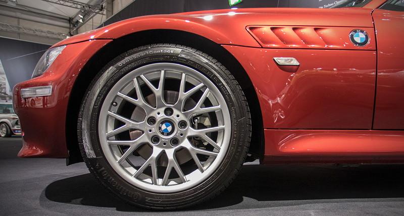 BMW Z3 roadster 3.0i, Rad und seitliche Kieme mit BMW Logo
