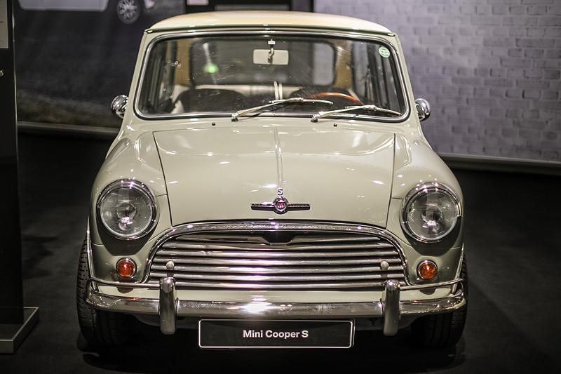 Morris Mini Cooper S 1275, ca. 630 kg schwer, 175 km/h schnell