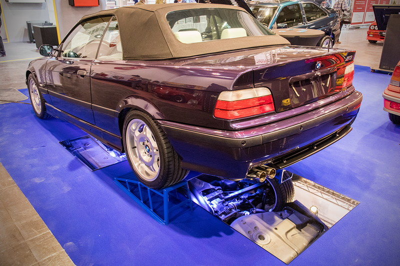 BMW M3 3.2 Individual Cabrio (E36), Farbe: Techno - violett