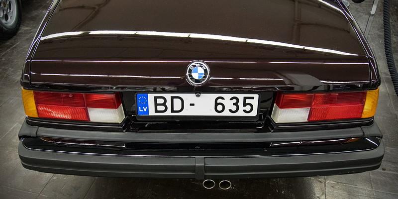 BMW 635CSi (E24) aus Litauen, Heckansicht