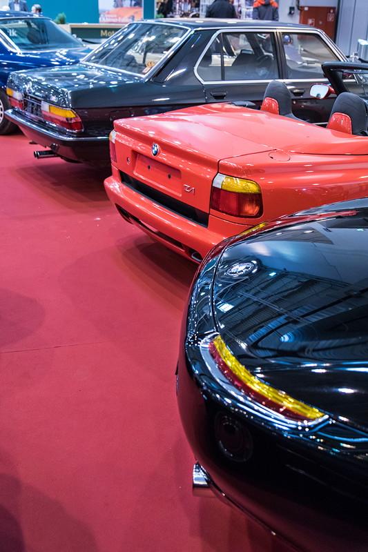 BMW Z8 vor BMW Z1 und BMW M5