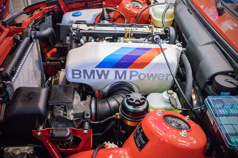 BMW M3 (E30), Motorraum