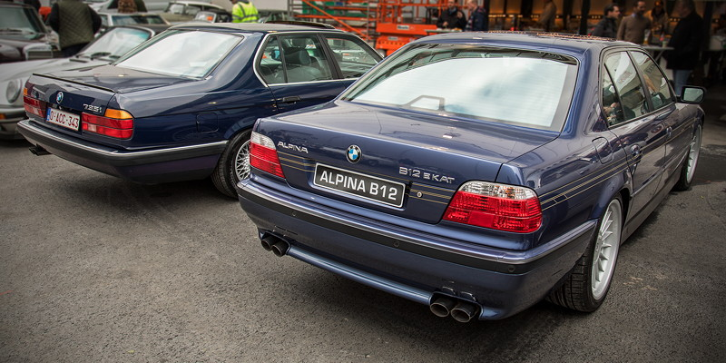 BMW Alpina B12 EKat (E38), Nr. 177 von 202 gebauen Exemplaren, Bj. 1998, 64.714 km, Preis: 29.500 Euro, neben BMW 735i (E32), Bj. 1988, 73.277 km, Preis: 9.750 Euro