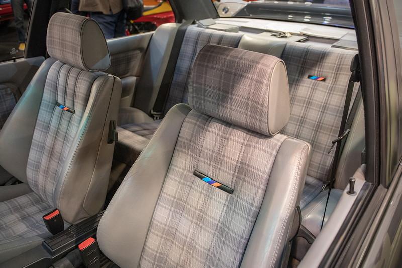 BMW M3 Evolution II (E30), Innenraum, Sitze mit M Logo