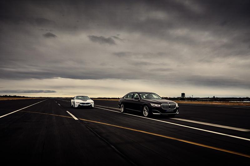 BMW 745Le und BMW i8 Coupé