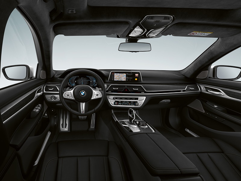 BMW 745e, Interieur