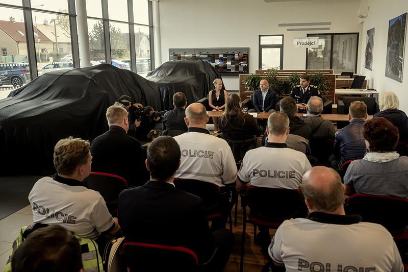 Übergabe BMW 745Le xDrive an die Polizei der Tschechischen Republik.