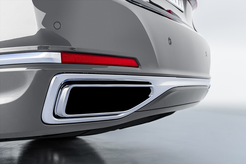 BMW 750Li xDrive (G12 LCI), vergrößerte Auspuffendrohrblenden
